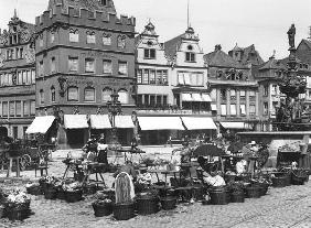 The Market Place at Trier, c.1910 (b/w photo)