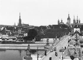 The old bridge over the River Main at Wurzburg, c.1910 (b/w photo)