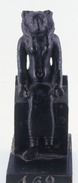 statuette sekhmet bronze aegyptisch als kunstdruck. Black Bedroom Furniture Sets. Home Design Ideas