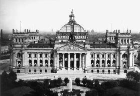 Berlin, Reichstag building/Photo Lévy