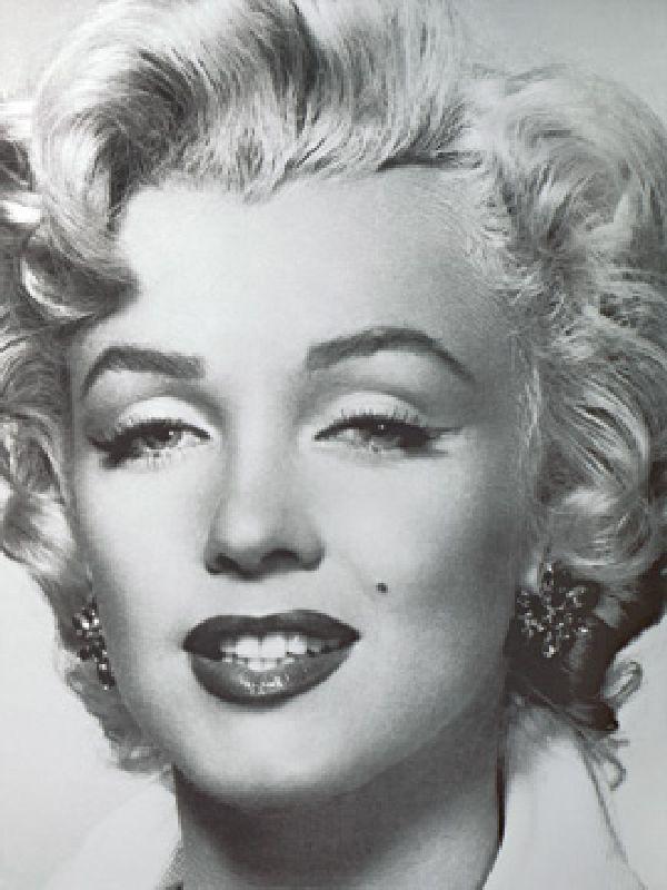 Marilyn Monroe Portrait - Bettmann als Kunstdruck oder handgemaltes ...