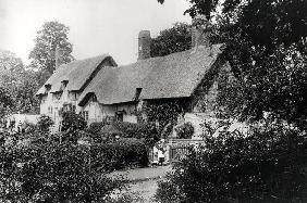 Anne Hathaway''s cottage (b/w photo)