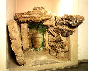 Reconstruction of an Etruscan tomb with an urn (stone) C16th