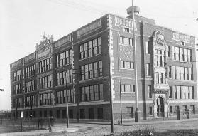 Ansicht der Anthony Wayne School 1914