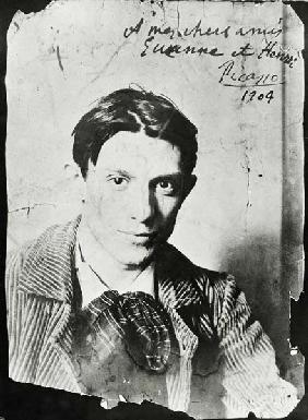 Pablo Picasso (1881-1973), 1904 (b/w photo) 1897
