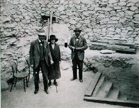 Lord Carnarvon''s first visit to the Valley of the King''s: Lord Carnarvon (1866-1923), Lady Evelyn