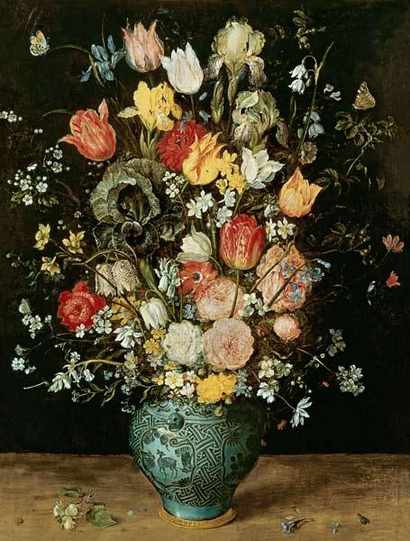 Blumenstrauss-in-einer-blauen-Vase.jpg