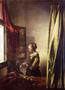 Brieflesendes-Maedchen-am-offenen-Fenster