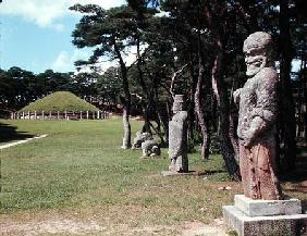 General view of the statues in Kwaenung Park (photo)