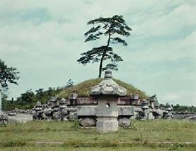 View of the Kyongnung Tomb (photo)