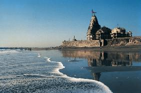 Famous temple of Shiva at Somnath beach (photo)