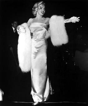 Marilyn Monroe at premiere of film Call Me Madam March 4, 1