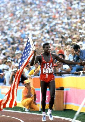 Olympic Games in Los Angeles: 100m : Carl Lewis winner 1984