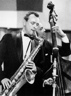 saxophone player Jimmy Giuffre at International Jazz Festival February 2