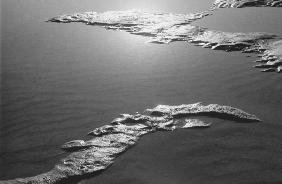 Sea, Porbandar (b/w photo)
