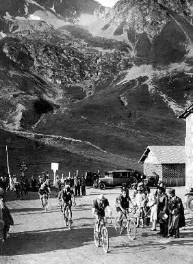 Tour de France 1929, 15th leg Grenoble/Evian on July 20 : here Antonin Magne ahead at the Lautaret p 1929