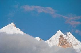 View of Bhagirathi peaks from Chirbas (3610m) (photo)
