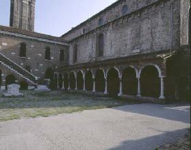 View of the Cloisters (photo) 15th