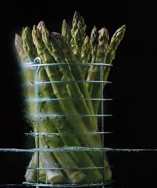 Asparagus in steamer, 1994 (colour photo)