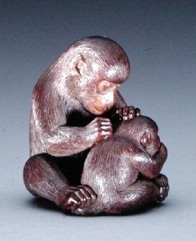 Netsuke depicting a mother monkey and her son c.1880-190