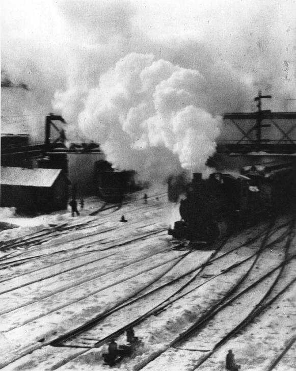 Alfred Stieglitz - New York, Blick auf die Gleisanlagen: Rangierlok